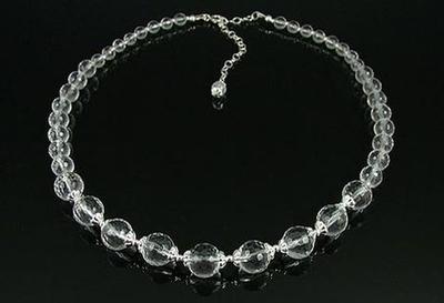 Classy Quartz Necklace | Jewelry Design Ideas