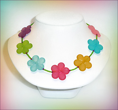 Happy Flower Necklace | Jewelry Design Ideas