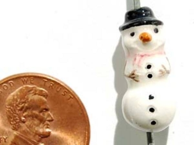 20 x 9mm Snowman Hand-painted Clay Christmas Bead | Natural Beads