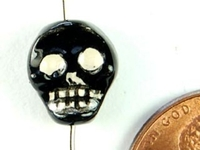 Clay Beads 10 x 9mm flat skull black & white clay